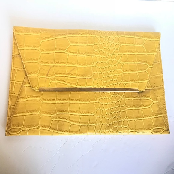 07c057960c0 ASOS Handbags - ASOS Snakeskin Print Gold Envelope Clutch - Large